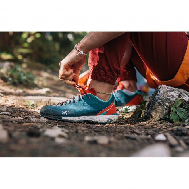 Women's  low cut shoes - turquoise AMURI LEATHER W Millet 2